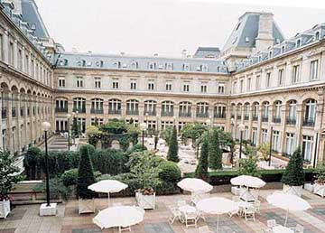 Hotel paris republique crowne plaza